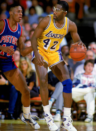 james-worthy-in-p790cts-for-the-la-lakers-against-the-detroit-pistons