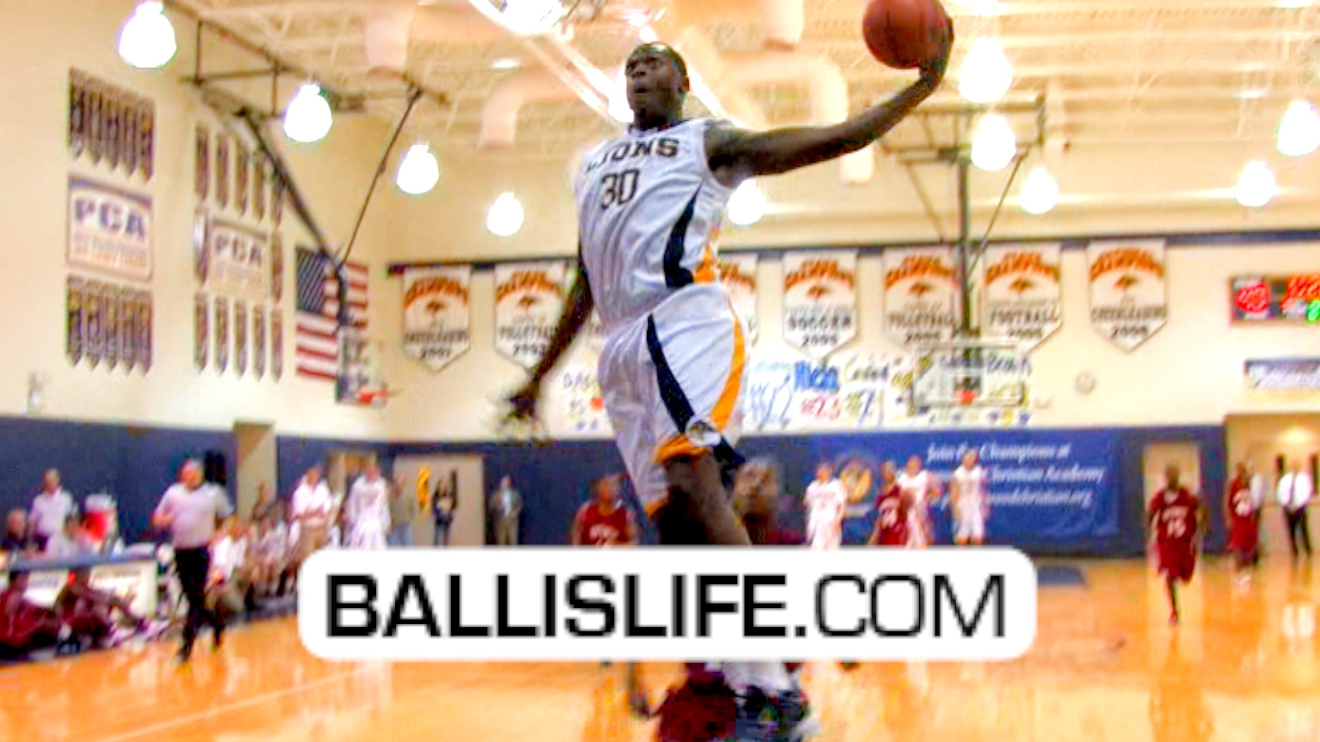 Ballislife | Julius Randle and Prestonwood puts on Dunk Show