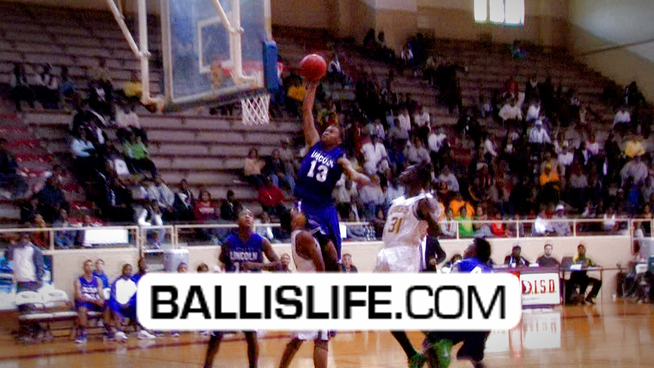 Ballislife | Courtney Hooper Dunk