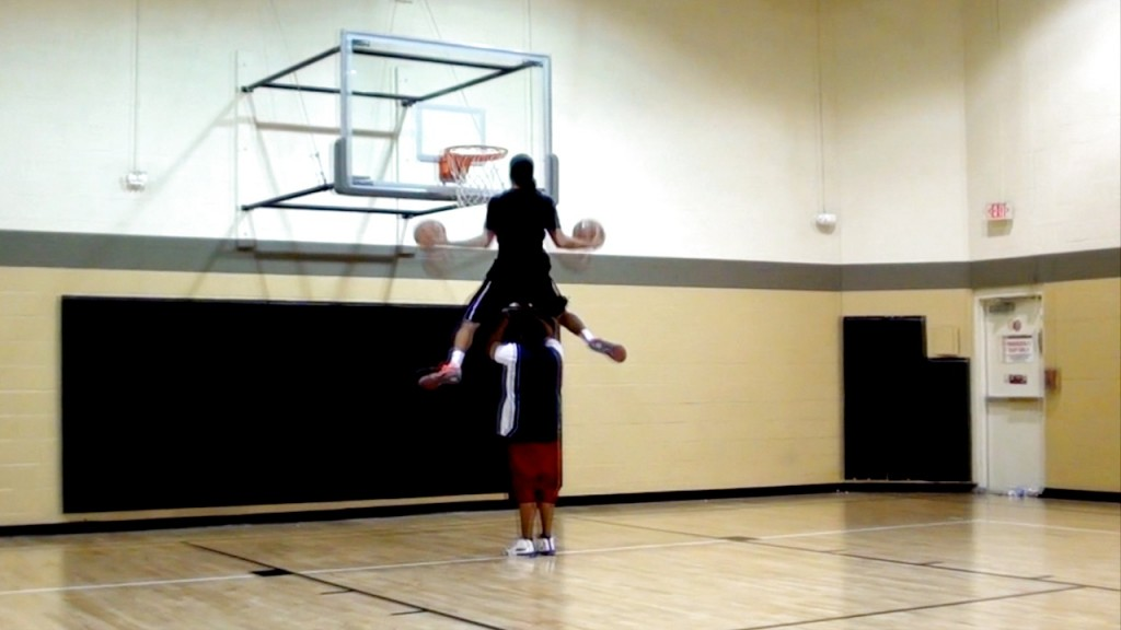 6'3″ Kenny Dobbs 2 Ball Windmill OVER Someone + 360 Between The Legs OVER Someone!! BEST Dunker In The WORLD!