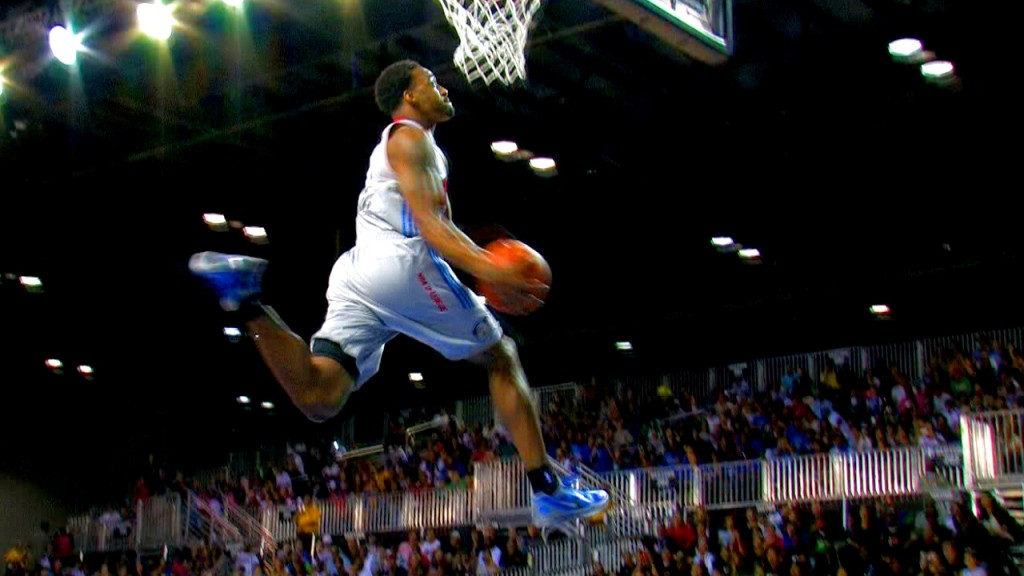 LD Williams SHUTS DOWN NBA D League Dunk Contest! Zach Andrews Pulls Out Grandmama Dunk! Upstages NBA Dunk Contest!!