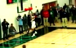 5'6 Aquille Carr Dunks ALL OVER Defender In Regional Finals!
