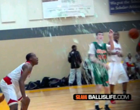 6'8 16y/o Cliff Alexander's monster dunk shatters backboard in game a la Shaq! Glass everywhere!