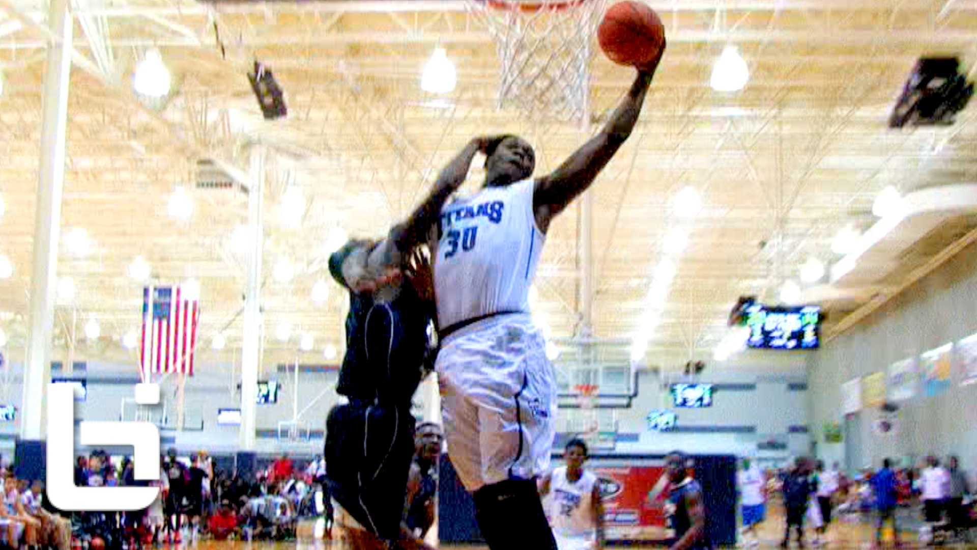 Ballislife | Julius Randle of Texas Titans with Nasty Dunk