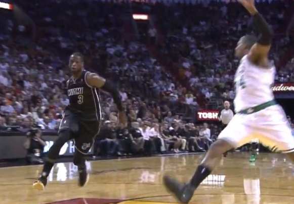 Smart Play of the Day: Wade ball fakes Paul Pierce