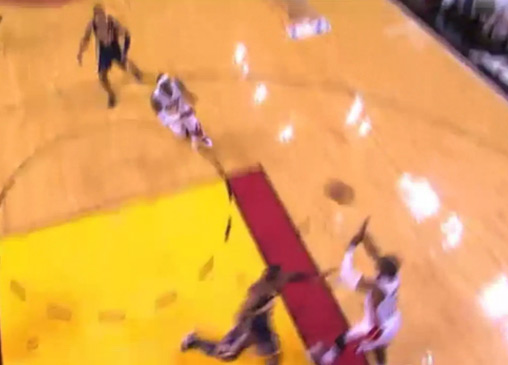 Wade touch pass to LeBron for the dunk