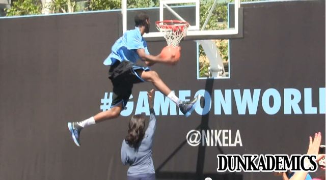 Justin Darlington Records A 49.9″ Vertical During Nike+ Dunk Contest!