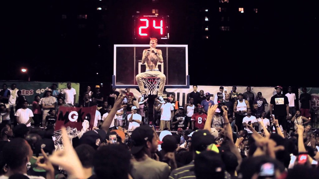 Machine Gun Kelly Performs on TOP of the rim at Rucker Park?