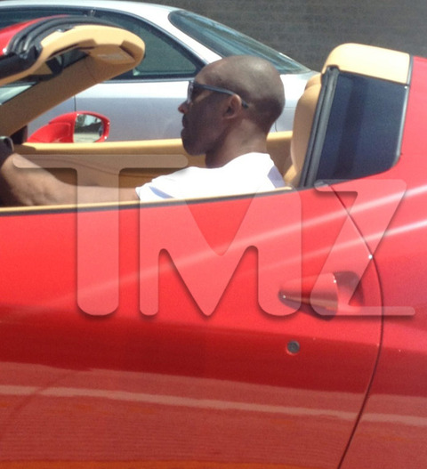 Kobe Showing Off His Ferrari On The Freeway In Los Angeles