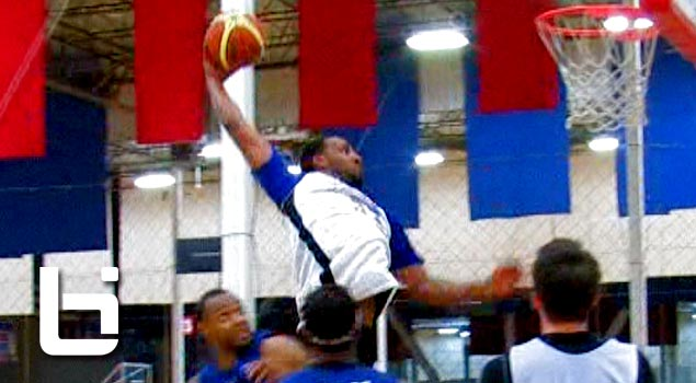 Derrick Williams NASTY Dunk Down The Middle As Team Open Gym Takes On Mexican Team!