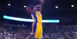 Kobe Turns Back The Clock With The HARD 2 Hand Dunk vs Kings!