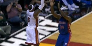 LeBron James With The SWEET Reverse Layup vs Pistons!