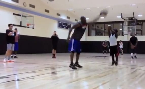 Terrell Owens Takes On 4'4″ Streetball Player Mani Love
