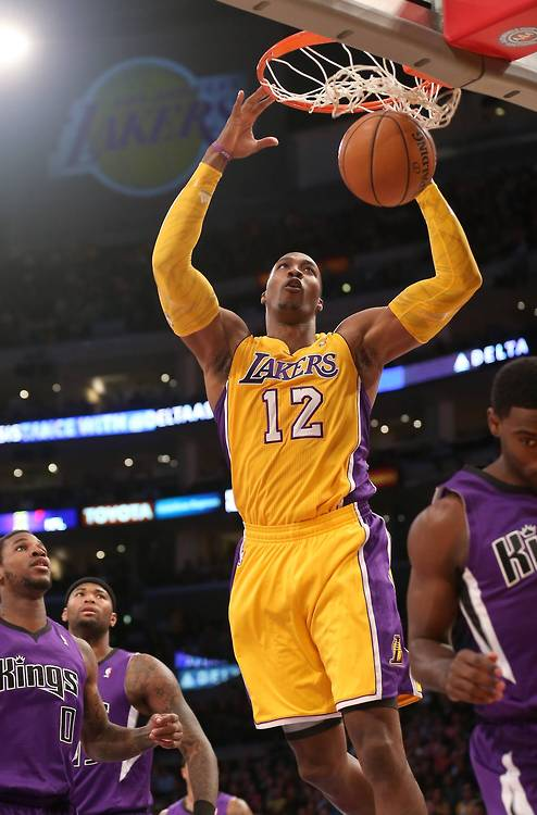 Dwight Howard's 1st Points As A Laker! 2 Hand Alley-Oop Dunk! 10/21/2012 [Video]