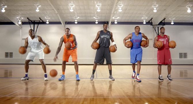 "Dwight, Melo, Westbrook, D-Wade & Joe Johnson Perform ""Carol Of The Bells"" By Dribbling Basketballs!"