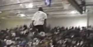 Desmond Mason RARE 2 Handed Between The Legs Dunk From Back In the Day!