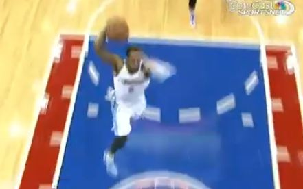 Andre Igoudala Punches The 1 Hander In His Return to Philly!