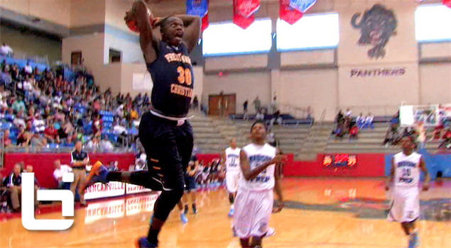 Ballislife | Julius Randle Punishes the Rim at Thanksgiving Hoopfest