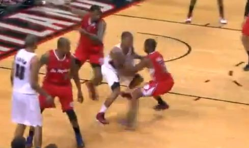Damian Lillard Sick Spin To Split The Defense & Lays It In And 1!