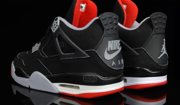 air-jordan-4-black-red-retro-og-8