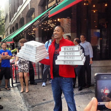 Friday Afternoon Pizza Party! Derrick-rose-giordanos