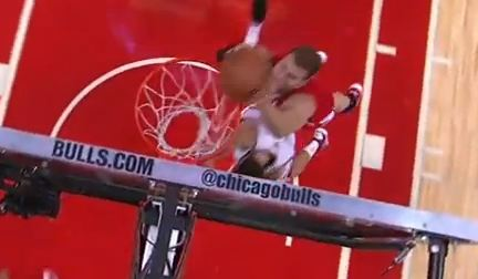Blake Griffin Catches 2 Hand Oop All over Marco Belinelli!