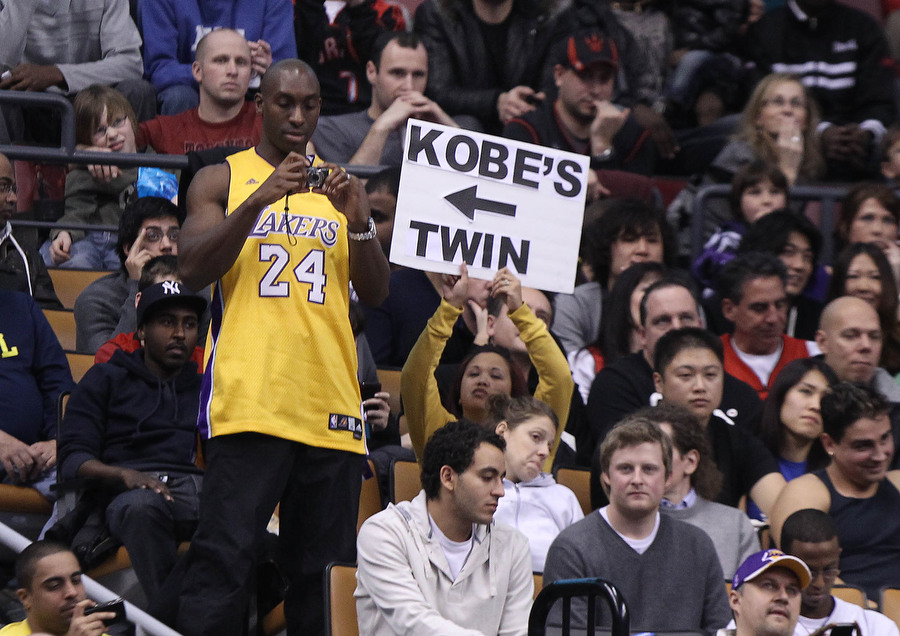 Kobe's Twin Watching Kobe at the Raptors game
