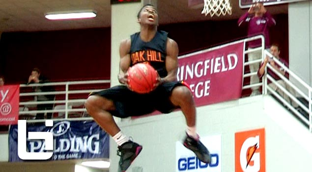 Ballislife | Ike Iroegbu wins Hoophall Dunk Contest