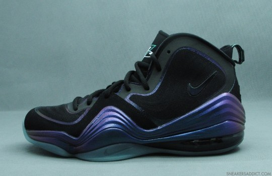 Nike-Air-Penny-V-Black-Atomic-Teal-Purple-04
