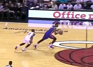 Andre Drummond steals the ball from DWade twice in 45 seconds