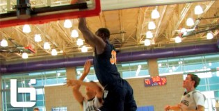 Julius Randle IS BACK! Straight UP POSTERIZES A Defender ON A SICK OOP!