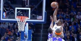 Kevin Durant throws down on Markieff Morris during slaughter of the Suns