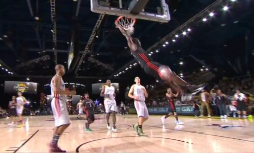 Usain Bolt Dunks on NBA Celebrity All Star Game (Video ...
