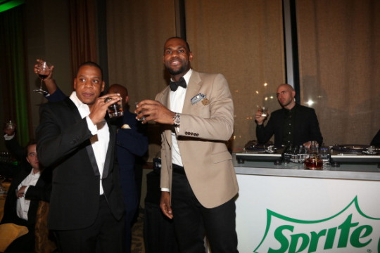 LeBron & Jay-Z's 2 Kings Dinner w/ Puff, Beyonce, Pippen, Riley & more