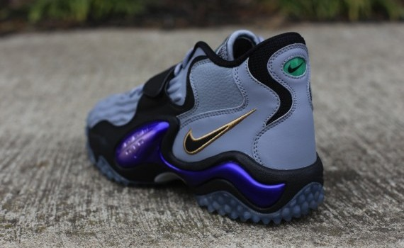 nike-air-zoom-turf-jet-07-stealth-club-purple-01-570x379