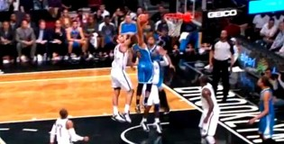Eric Gordon Dunks on Brook Lopez and Gerald Wallace