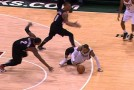Monta Ellis shows off his Globetrotter/And1 dribbling skills on the floor vs the Blazers