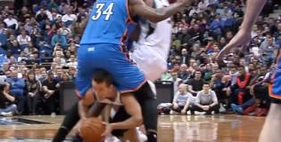 6'0″ JJ Barea Attempts To Dribble Between 7'3″ Hasheem Thabeet's Legs