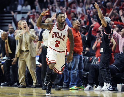 "Nate Robinson scores 23 of his 34 points in 4th quarter / says it was like NBA Jam ""he's on fire!"""