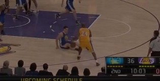 Kobe Bryant Breaks Klay Thompson's Ankles & Hits The 3 in 1st Half vs Warriors!