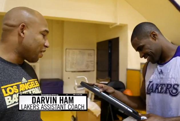 Ballislife | Darvin Ham Reminds Antawn Jamison of College Dunk