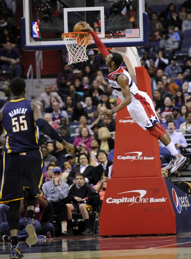 John Wall scores 26 first half points vs the Pacers / Blocks Roy Hibbert