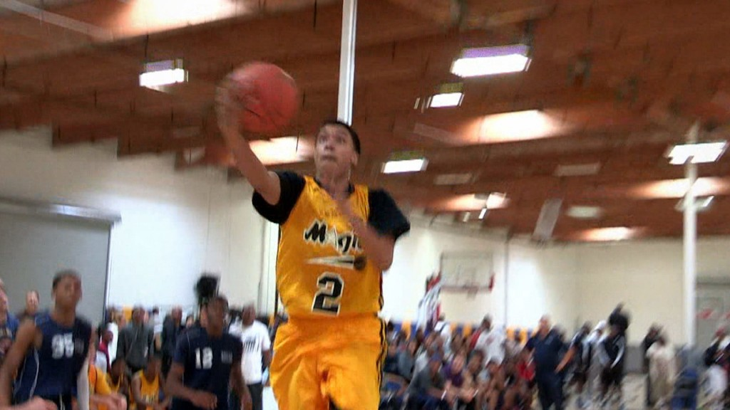 Sedrick Barefield & The Compton Magic Show Out at HOF Classic