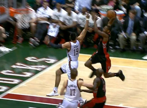 Dunk Champ Terrence Ross takes flight over Gustavo Ayon ...