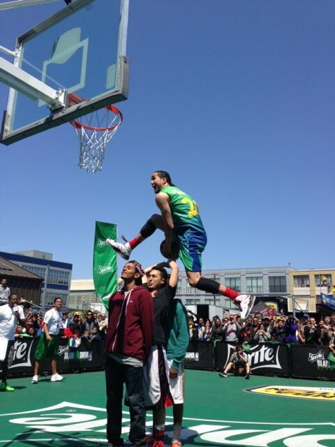Dunks of the Day: Los vs Kenny Dobbs at San Fran dunk contest