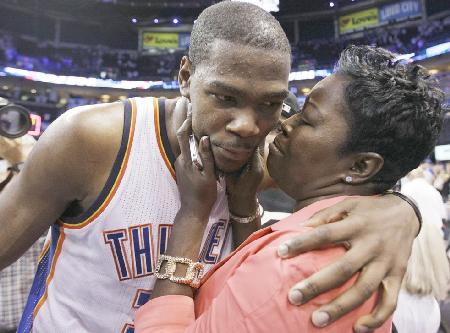 kevin_durant-mother