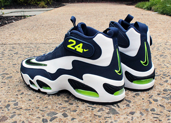 wholesale dealer bb478 f25ce Nike Releases Air Griffey Max 1 White Black-Midnight Navy-Stealth