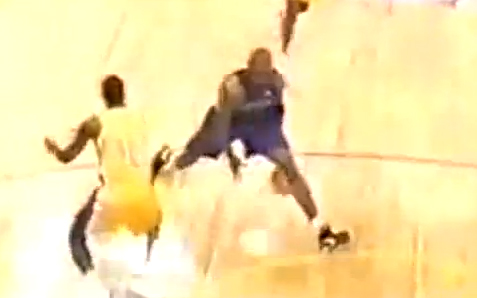 Flashback: Vince Carter breaks his own ankles trying to do a crossover + Vince's Best Crossovers