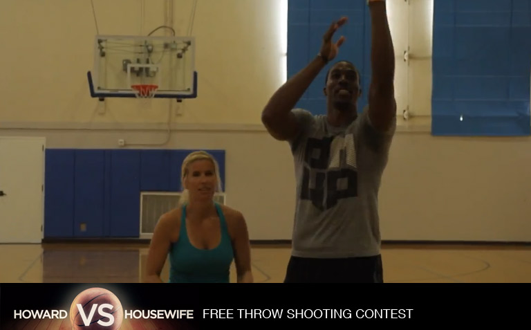 Dwight Howard loses free throw contest to housewife for charity