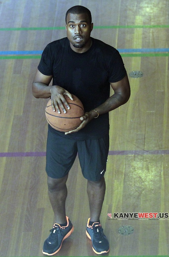Kanye-west_Nike_Lunarswift_running_shoes_basketball